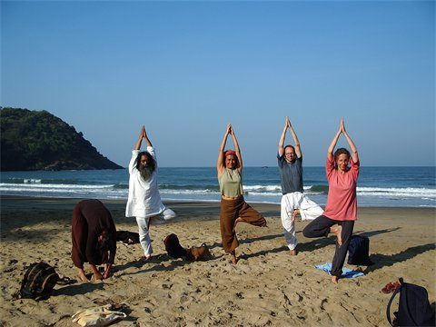 Students Yoga-school to India Kerala